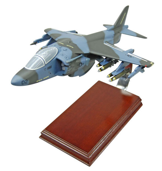 Harrier_AV-88_CAH1TR